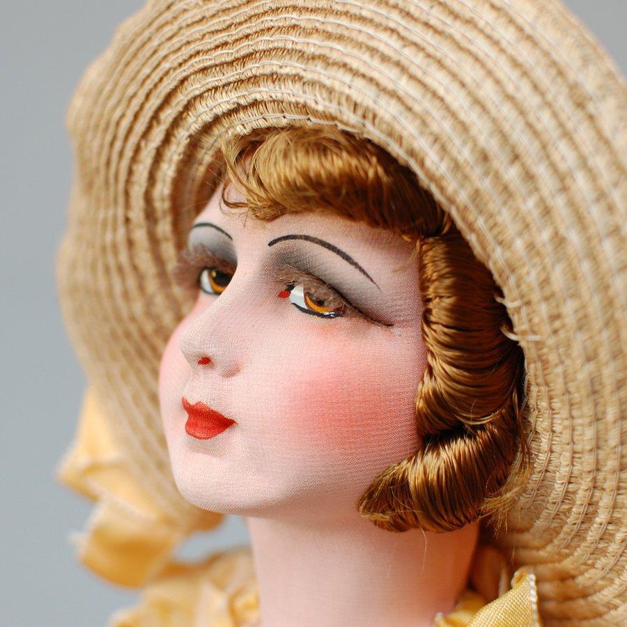 роспись лица антикварной будуарной куклы